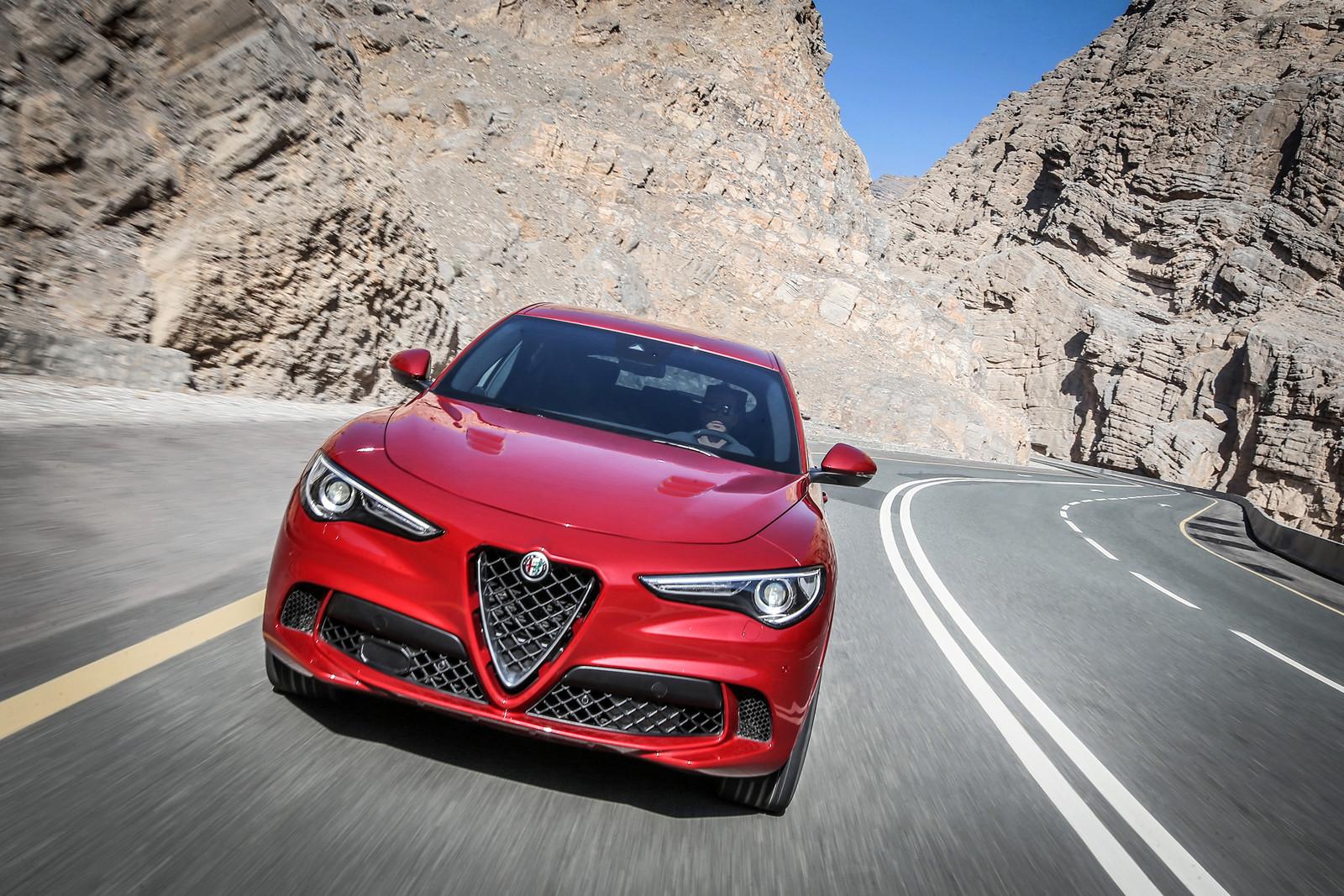 Foto de Alfa Romeo Stelvio Quadrifoglio Verde (16/36)