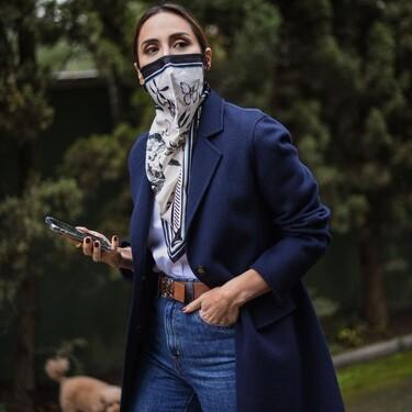 Tamara Falcó se inspira en Olivia Palermo y luce la mascarilla más elegante del momento