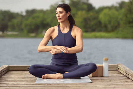 Fitbit Sense Lifestyle Yoga Sapphire Sport Mh 0584