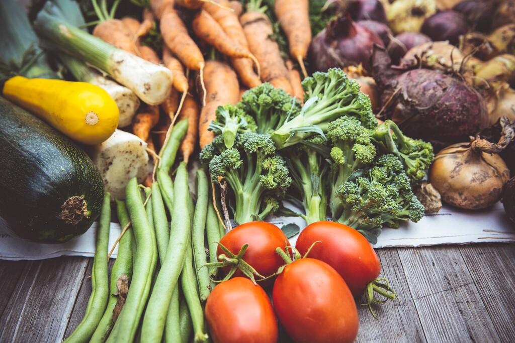 Estas son las 11 frutas y verduras más saciantes que puedes incluir en tu dieta