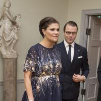 Victoria de Suecia luce embarazo con un vestido de Asos