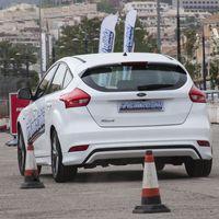 Controlar sobrevirajes y detectar peligros: Ford abre la inscripción para sus cursos gratuitos de conducción en Madrid