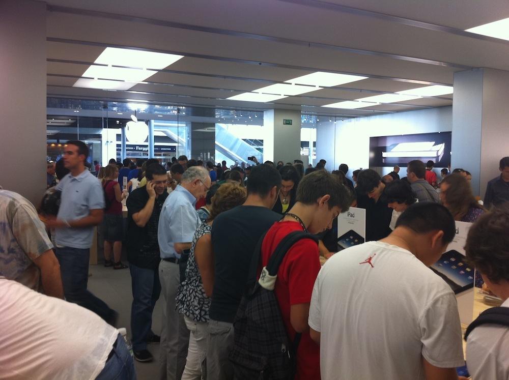 Foto de Inauguración Apple Store La Maquinista (84/93)