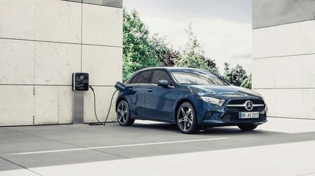 Ventas de coches eléctricos y alternativos en 2020 en España