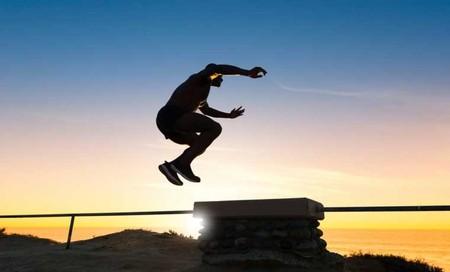 Tres circuitos para un entrenamiento semanal que puedes hacer en la playa trabajando todo tu cuerpo