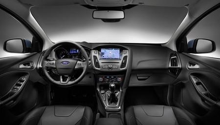 Ford Focus 2014 interior (Sync 2)