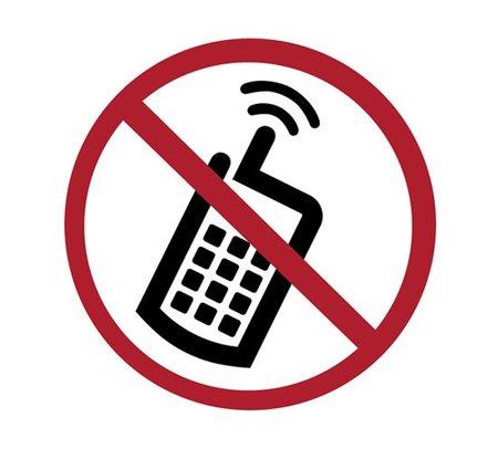 Encuesta: ¿qué opinas de la autorización de uso de móviles en vuelo? Los resultados