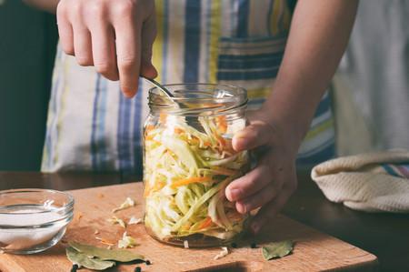 Once herramientas muy útiles para elaborar conservas caseras (y aprovechar toda la verdura del huerto)