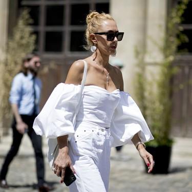 Siete maneras de combinar el pantalón blanco en verano para que se convierta en tu favorito