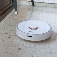 El robot aspirador que barre y friega la casa por ti hoy más barato con este cupón: Roborock S5 Max por 50 euros menos