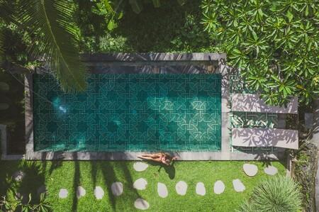Pon a punto tu piscina: Hisbalit presenta sus propuestas para 2021, con mosaicos con efectos tornasolados y diseños personalizables