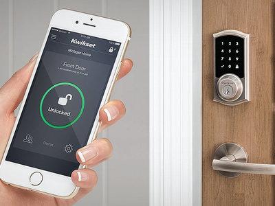 Alexa ya gestiona hasta el acceso a nuestra casa gracias a la integración con las cerraduras SmartCode de Kwikset