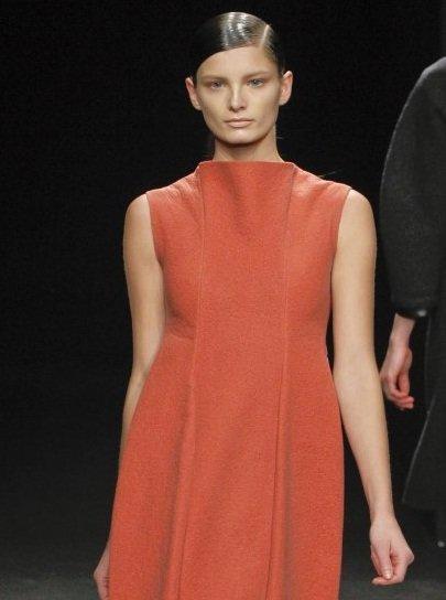 Peinados minimalistas y una apuesta a lo natural en el desfile de Calvin Klein Otoño-Invierno 2012/2013