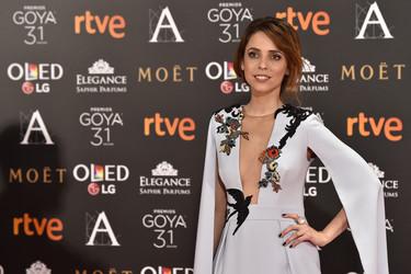Leticia Dolera elige un look así de romántico en los Premios Goya 2017