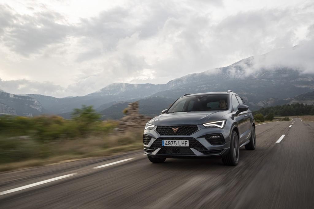 El nuevo CUPRA Ateca ya tiene precio para España: un SUV de 300 CV... y tan solo 80 euros más barato que el Formentor