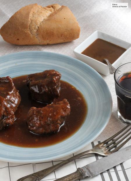 Cómo hacer salsa de Oporto para acompañar tus recetas de carne
