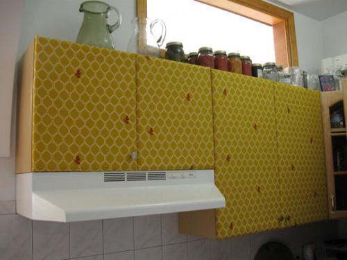 Una mala idea: tapizar los muebles de la cocina