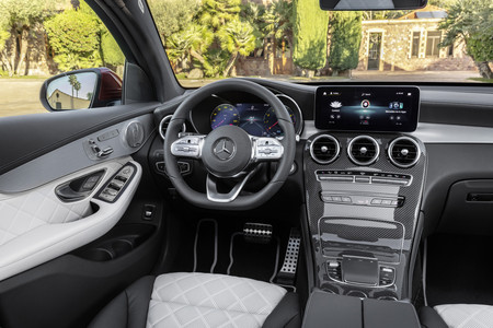 GLC Coupe 2019 interior 2