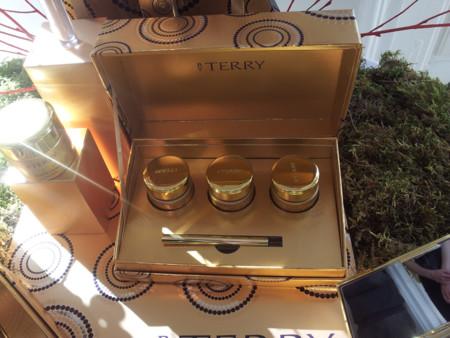 Descubre los maravillosos cofres del tesoro de Terry de Gunzburg para estas Navidades