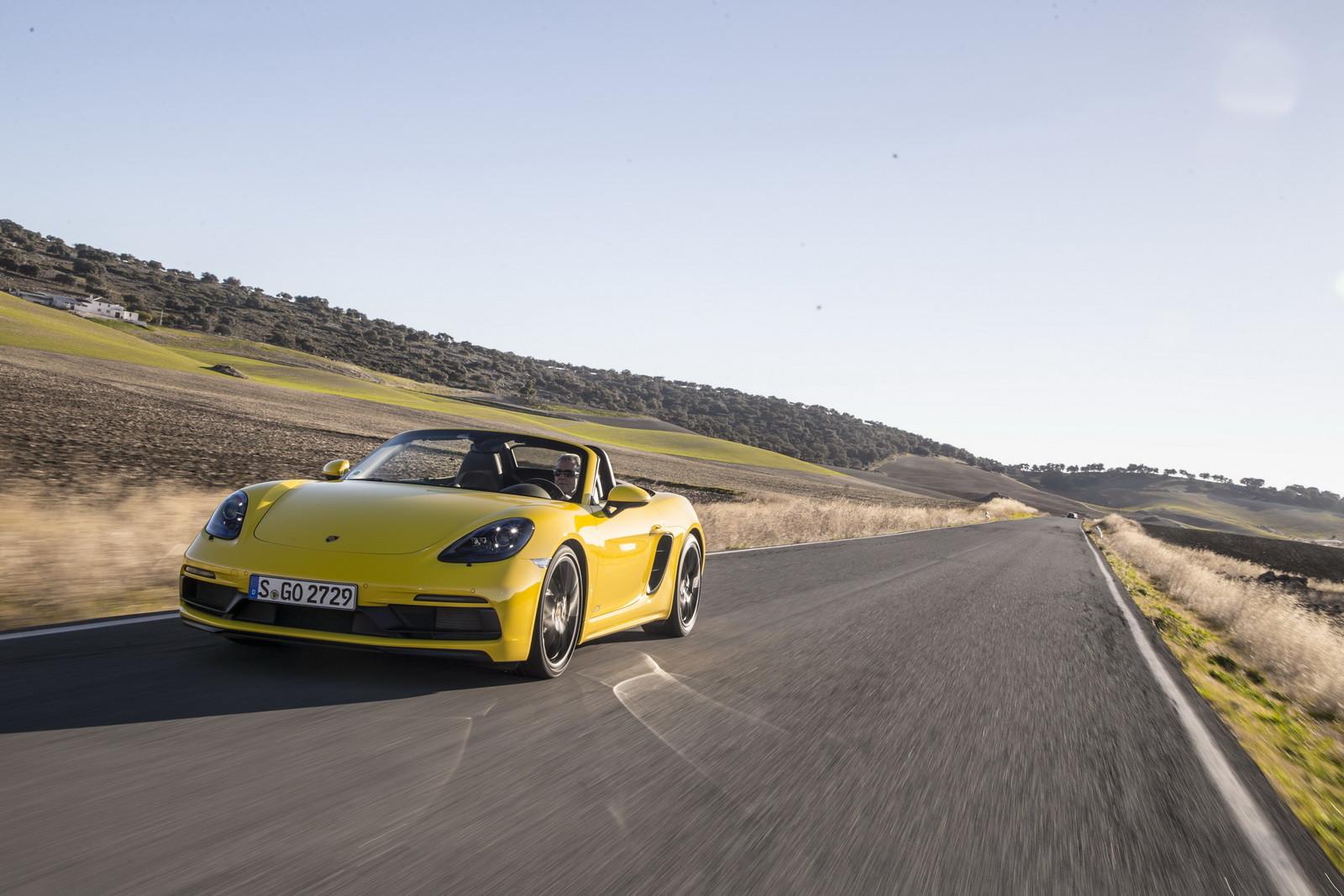 Foto de Porsche 718 GTS (2/64)
