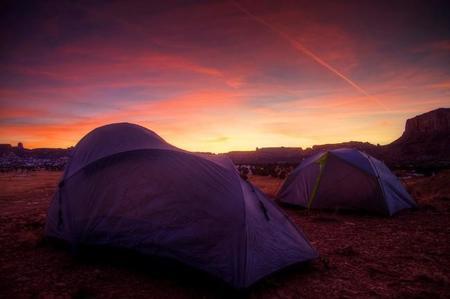 Compañeros de ruta: un desierto, un país que no existe y un camping en el paraíso