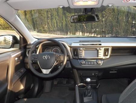 El Toyota RAV4 Advance + Pack 20 Aniversario a prueba (II): Interior y experiencia al volante
