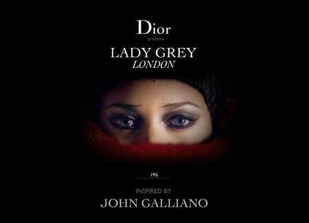 El original maquillaje asimétrico de Marion Cotillard en el look de Lady Grey London de Dior