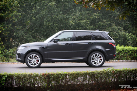 Probamos el Range Rover Sport P400e, un lujoso lord híbrido enchufable de 404 CV que luce la etiqueta Cero de la DGT