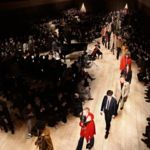 Desde hoy la moda cambia para siempre: Burberry venderá su colección después del desfile