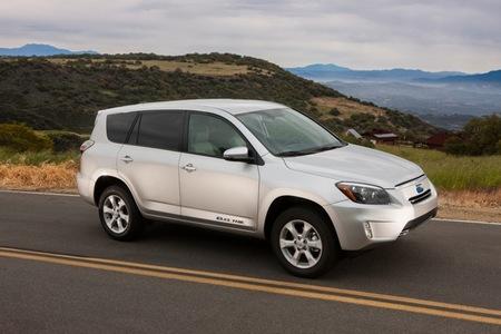 De tierras raras, motores inductivos y el nuevo Toyota RAV4 EV