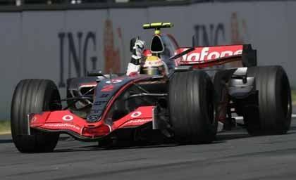 En McLaren ven a Hamilton Campeón del Mundo
