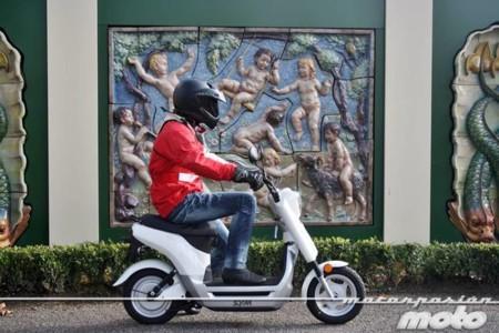 Motorpasión a dos ruedas: SYM Symmetry, Ducati 1199RS y Moto Guzzi V7, para todos los gustos
