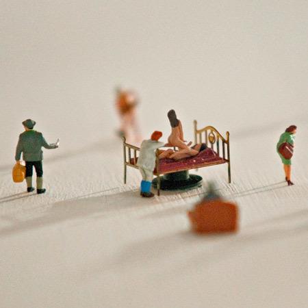 Foto de Mesa de centro con escenas en miniatura (7/7)