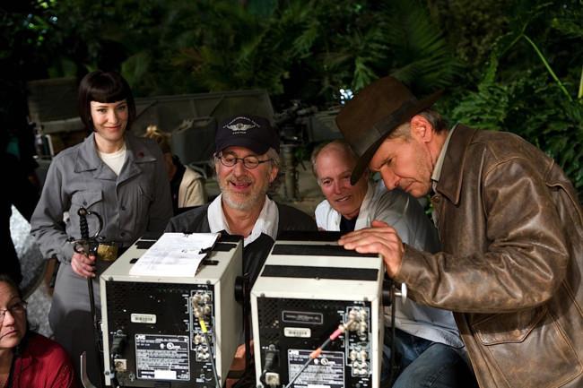 Harrison Ford, Steven Spielberg y Cate Blanchett en el rodaje de Indiana Jones y la Calavera de Cristal
