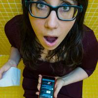 Cómo ha cambiado el smartphone nuestros hábitos en el baño