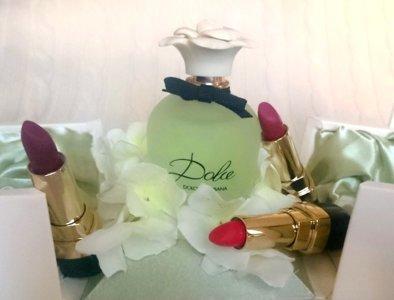 Dolce Matte Lipstick para los labios y Dolce Floral Drops para los sentidos. ¿Puedes pedir más esta primavera?