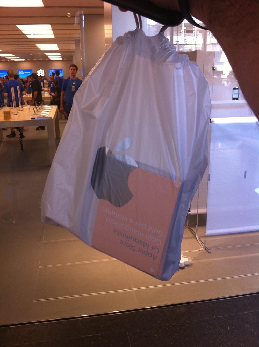 Foto de Inauguración Apple Store La Maquinista (31/93)