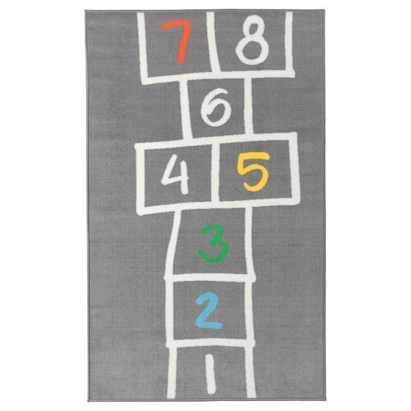 Alfombra gris con números