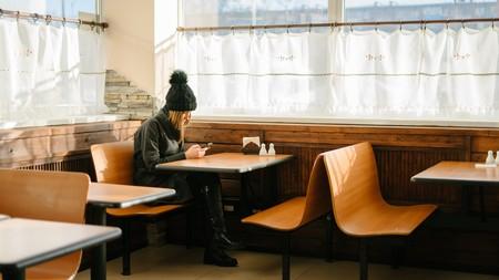 Las afirmaciones acerca de la relación entre el uso de pantallas y la depresión y el suicidio son exageradas