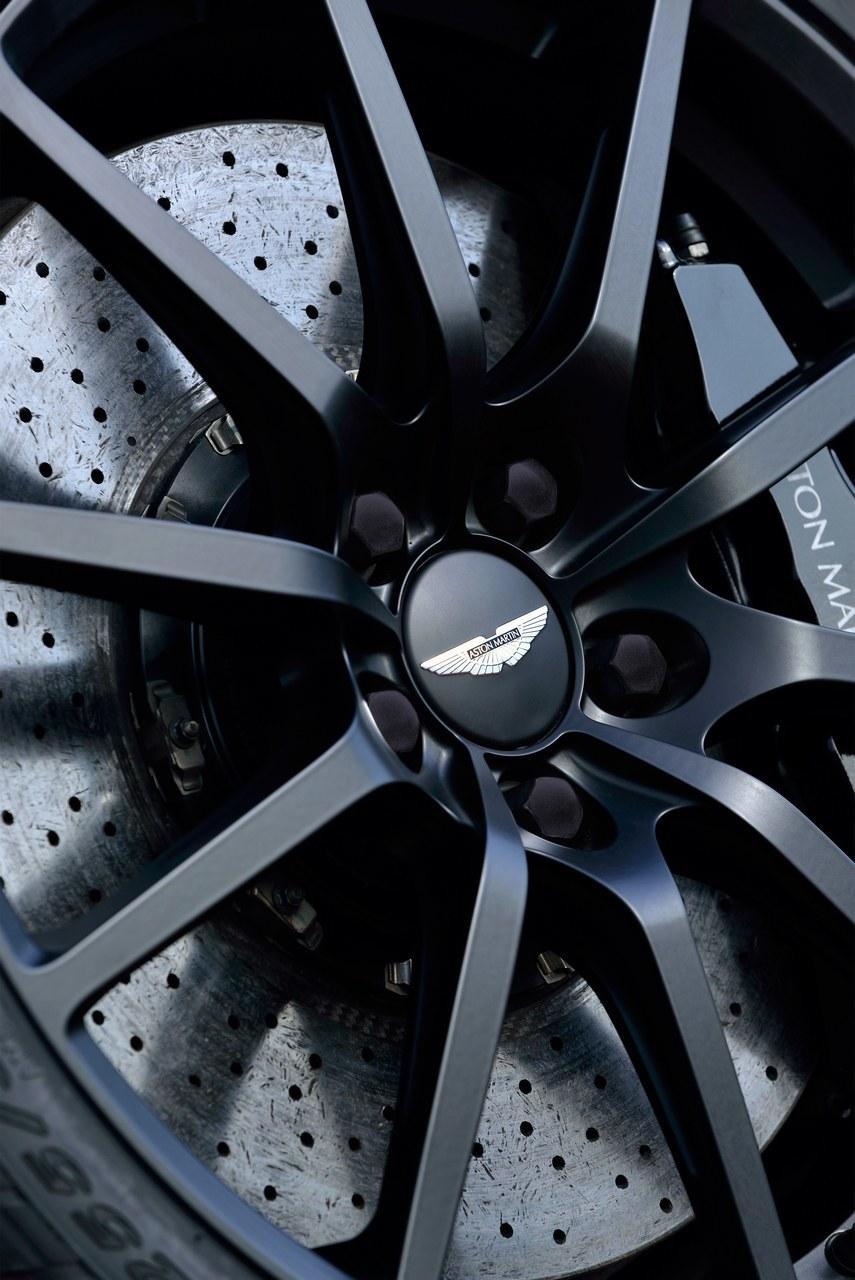 Foto de Aston Martin V12 Vantage S (22/34)
