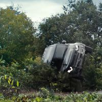 Volcado, golpeado y lanzado por los aires: el calvario de Land Rover Defender en '007: Sin tiempo para morir', en vídeo