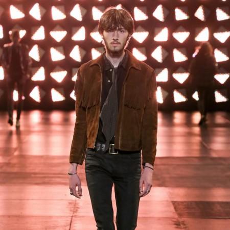 El clon de la semana: ¿Flecos y suede? ¡Sólo en Saint Laurent! (a precio de Zara)