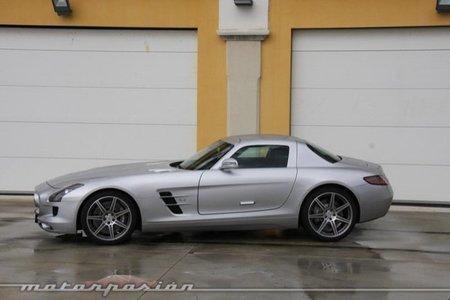 Mercedes-Benz SLS, ¿el deportivo europeo que nació para ser un Dodge Viper?