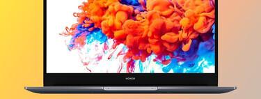 El equilibrado ultrabook Honor MagicBook 14 está rebajado en la tienda oficial a 579,90 euros y con regalo a elegir