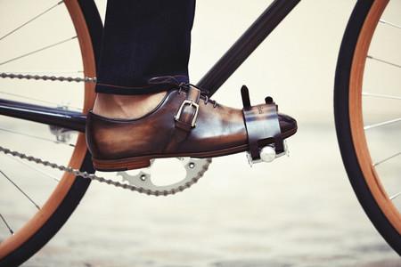 Berluti, el famoso bottier parisino, se asocia con la marca de bicicletas Cycles Victoire