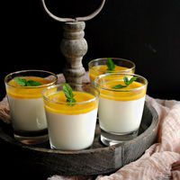 Crema de yogur con puré de mango y lima, receta (sin horno) fácil y refrescante