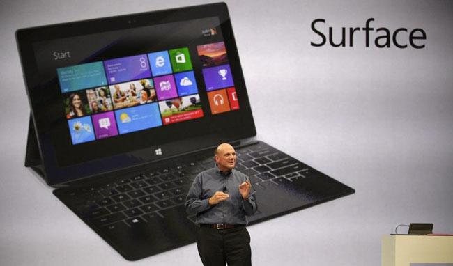 Steve Ballmer presentando el Microsoft Surface