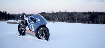 Amarok Racing presenta su prototipo de moto eléctrica para competir en el TTXGP