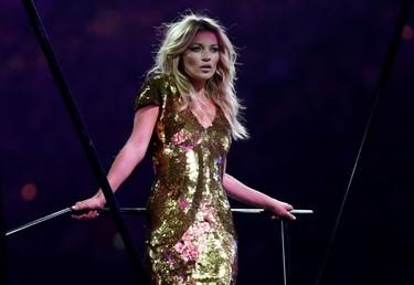 Londres nos da una lección de glamour... ¡Aunque con Kate Moss y Naomi Campbell cualquiera!