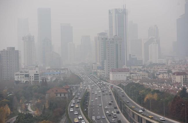 Tan irónico como increíble: los autos eléctricos son causantes indirectos de la polución en China